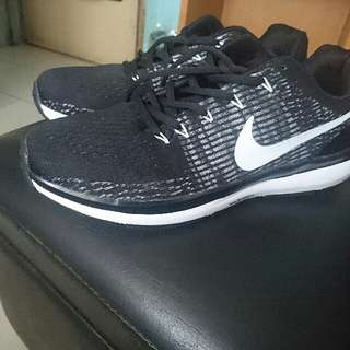 Nike Running Shoes Size 9.5