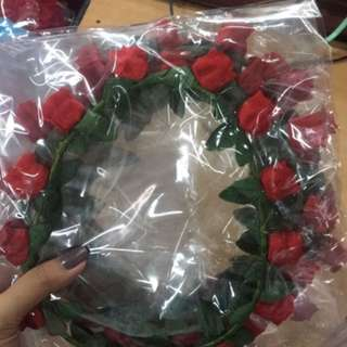 Flower Crown Mawar merah