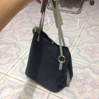 MERCHE NAVY BAG