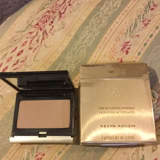 Kevyn Aucoin Sculpting Powder Light