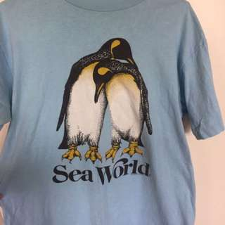 Vintage sea world shirt