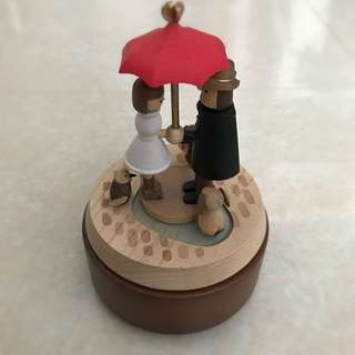 Umbrella Couple Music Box