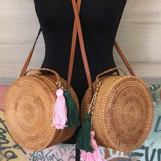 BNIP Handmade Ata Straw Circle Blogger Bag With Genuine Leather Straps (RRP $199-250)