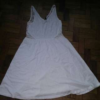 h&m white lacey stretchy dress