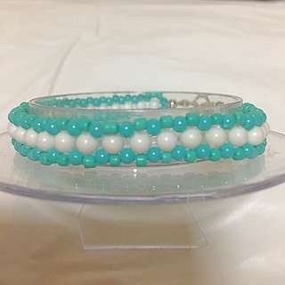 BR268 hand Crafted beaded friendship bracelet