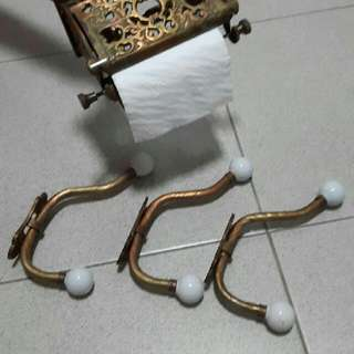 (REDUCED PRICE) Vintage toilet roll holder + clothes hanger