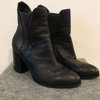 Siren Leather Boots Size 6 1/2
