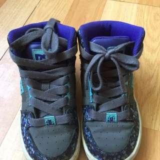 DC童球鞋