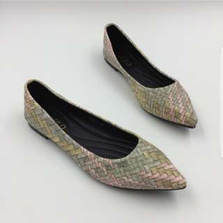 **EARLY HOLIDAY ALERT SALE**Flat shoes (size 9 = 25 cm)