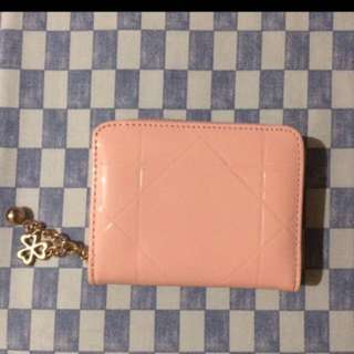 Dompet glossy