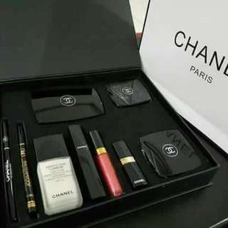 Ch chanel make up set
