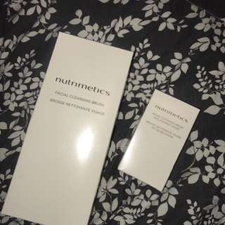 Nutrimetics face scrubbing brush and two extra brush heads