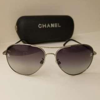 Chanel 女裝太陽眼鏡