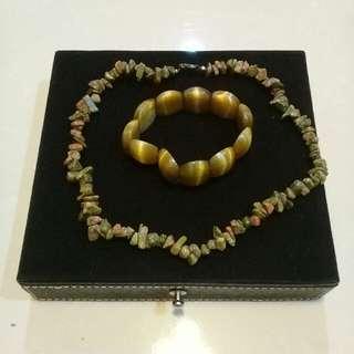 kalung + gelang batu butik collection😍