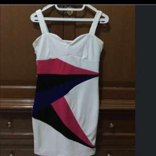 Dress Putih garis warna