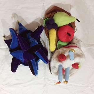 Assorted costume hats
