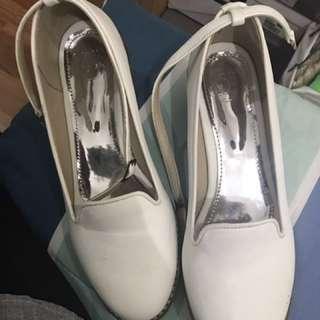 13th shoes (fleur white)
