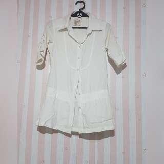 Herbench White Collared blouse Medium