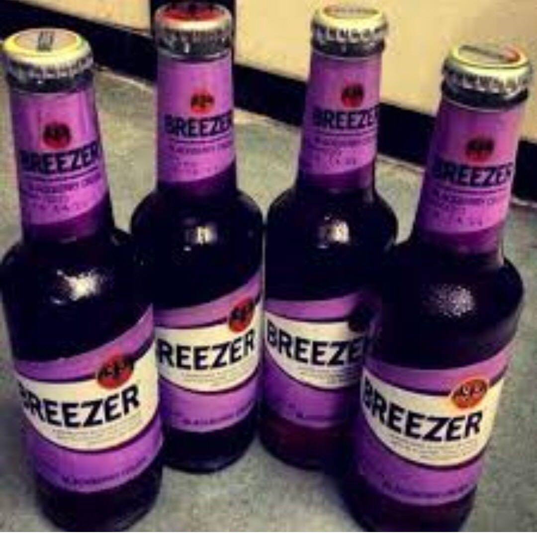 4 bottles Breezer Blackberry Crush 4x275ml