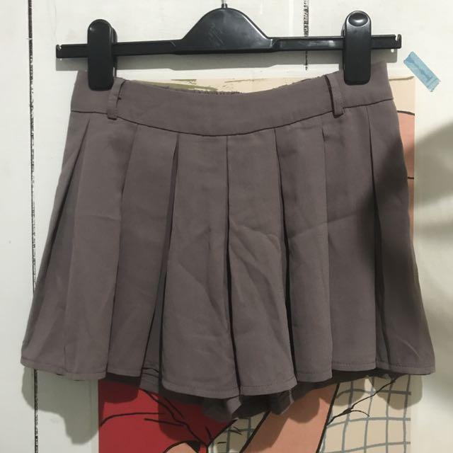 灰褐色百摺雪紡鬆緊短褲裙