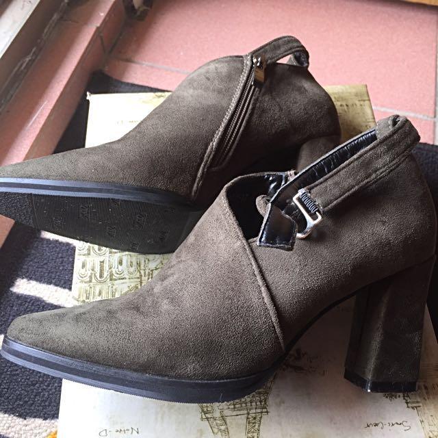 降價出清↘️麂皮粗根鞋