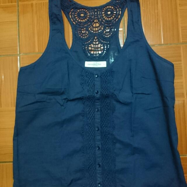 Abercrombie & Fitch sleeveless