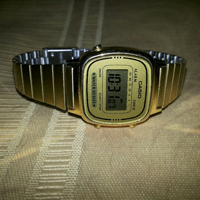RUSH - AUTHENTIC CASIO WATCH (GOLD)