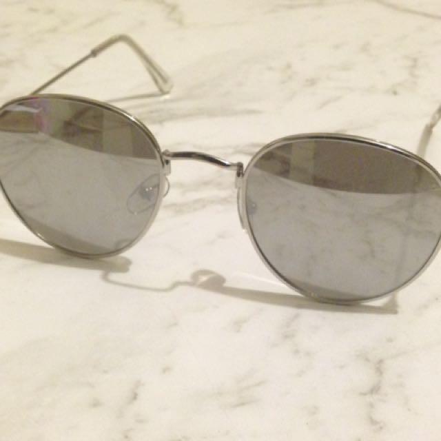 Aviator sunglasses (reflective)
