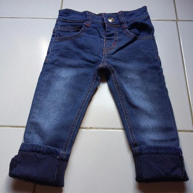 baby gap jeans muat sampe 15 bulan