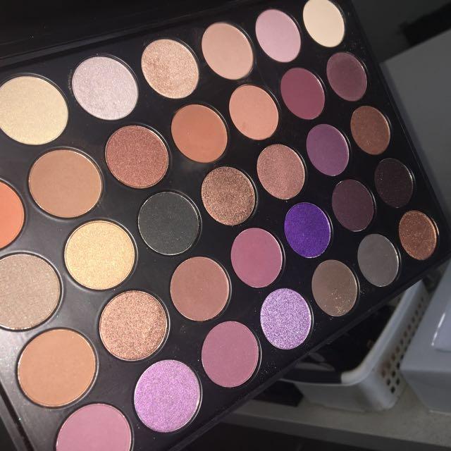BeBella Cosmetics eyeshadow pallet B35h, Health & Beauty, Makeup on