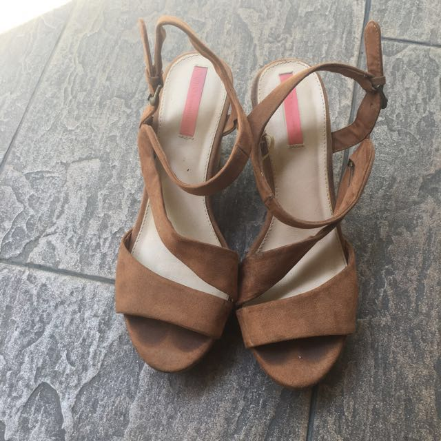 BERSHKA wedges shoes