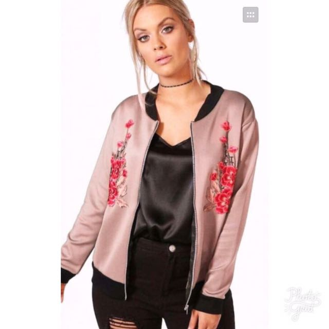 Best seller ‼️ Embroidered women's jacket 😂