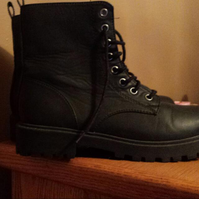 Black Boots Size 7 Worn Once