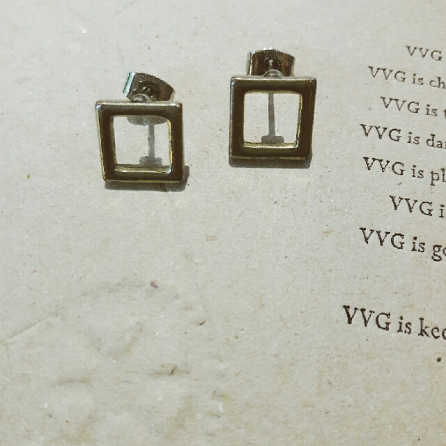 CAGE】淡金方形耳環