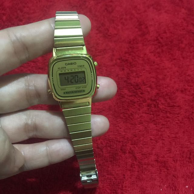 Casio gold vintage