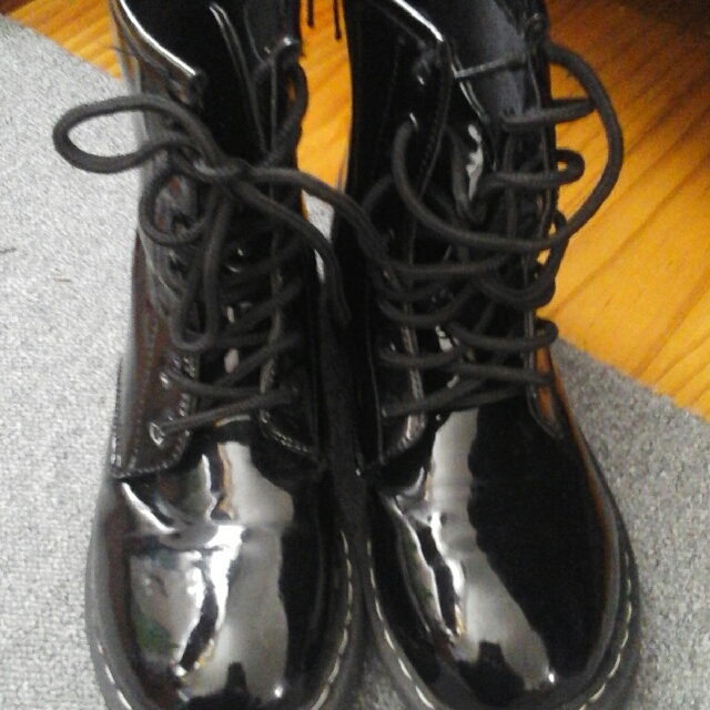 martines girls boots size 2 free shipping
