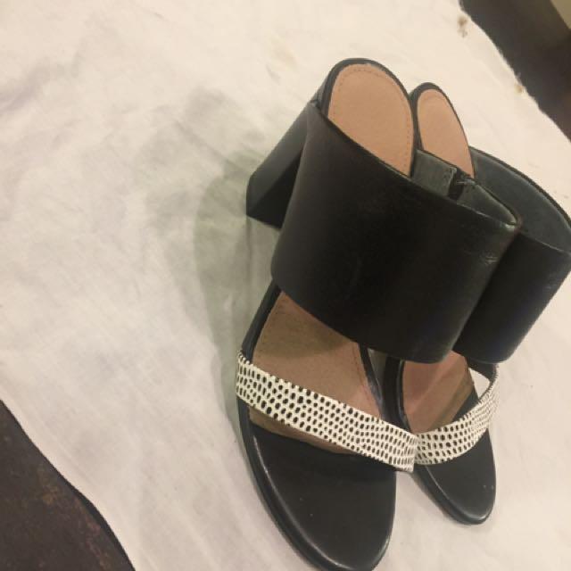 Diana Ferrari Sandals size 6