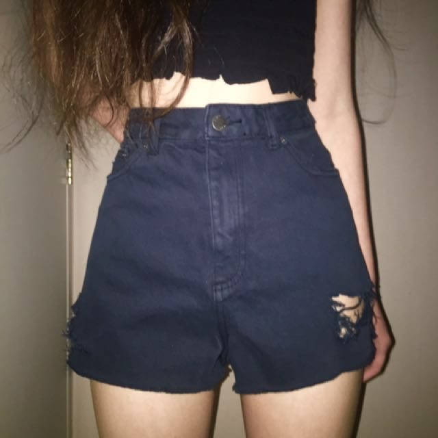 Distressed shorts 💥 Size 10 - NAVY