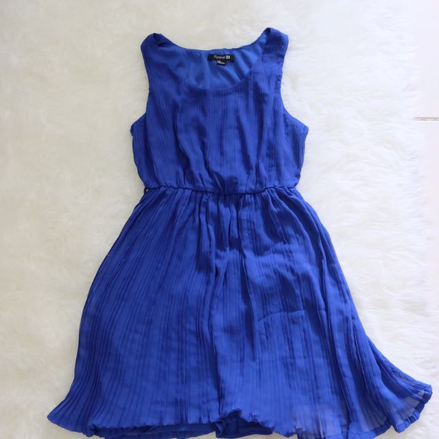 Forever 21 dress fit to S