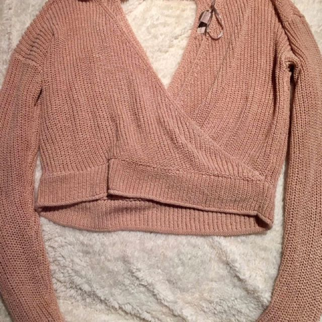 Forever 21 Long Sleeves Sweater