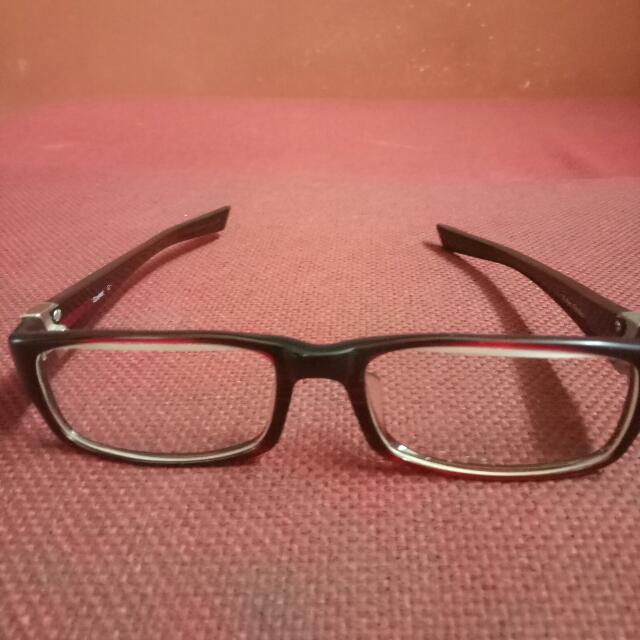 Frame kacamata Oakley