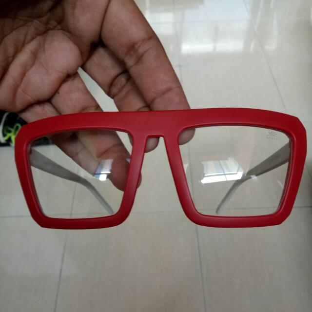 Frame Kacamata unik