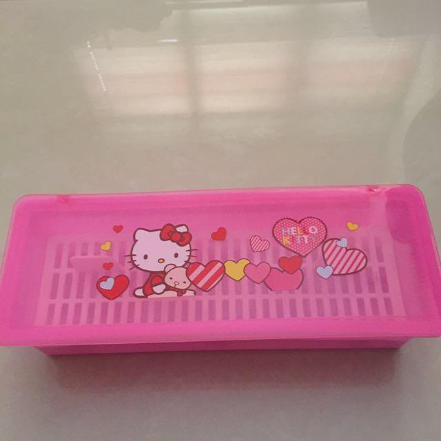 9167055e4 Hello kitty chopstick holder box, Home Appliances on Carousell