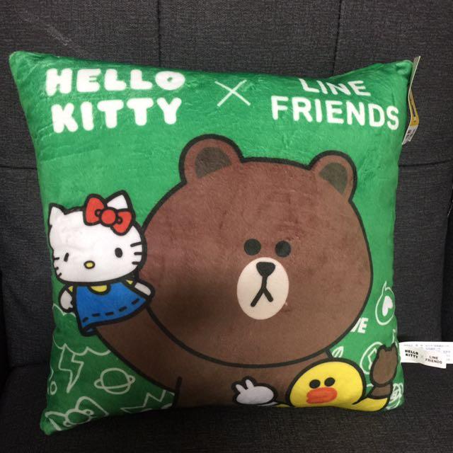 Hello Kitty x LINE熊大 方型枕/靠枕/小抱枕娃娃,,