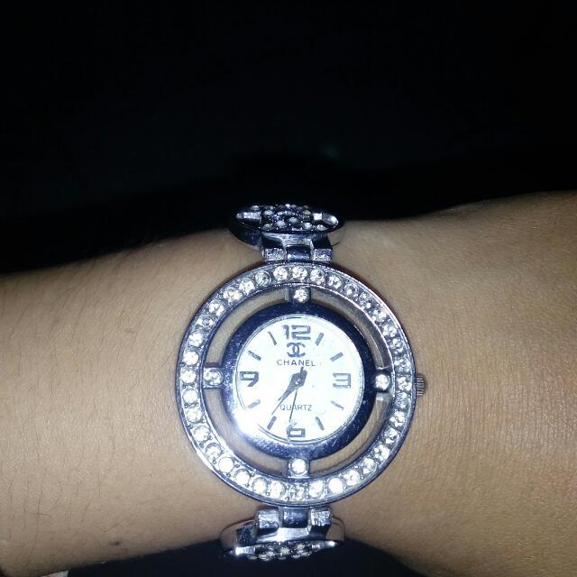 Jam Tangan Chanel Replika Kondisi Mati