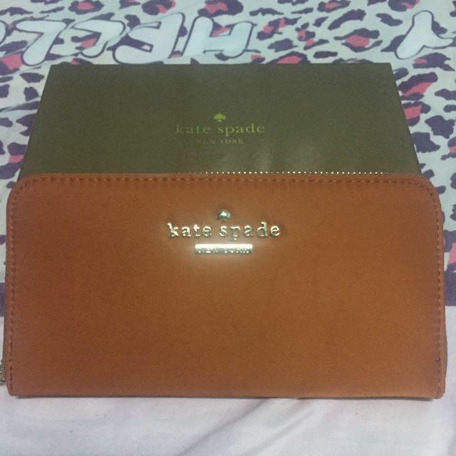 Kate Spade Wallet overrun