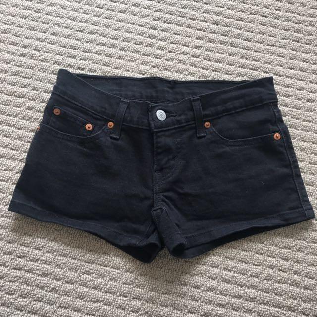 LEVI Black Shorts