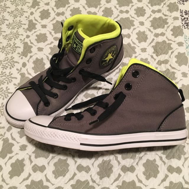 Limited Edition Converse All Star - Size 8