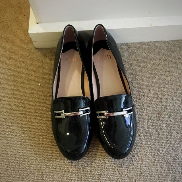 Loafer in black
