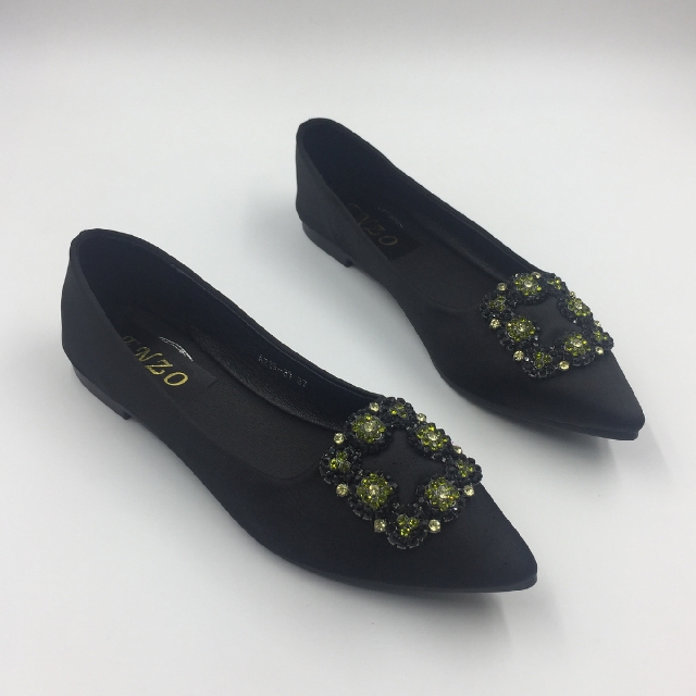 **EARLY HOLIDAY ALERT SALE**Manolo Blanik inspired shoes (size9 =25cm)